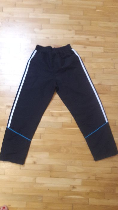 спортивні штани adidas на зріст 140 Черновцы - изображение 1