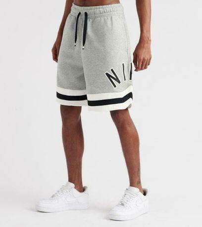 spodenki NIke Air Sportswear CN9129 model 063 rozmiar M