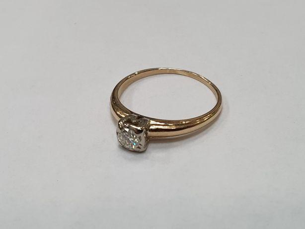 Wiekowy złoty pierścionek damski/ 0.24 CT VS1/ 560/ 2.13 gram/ R17