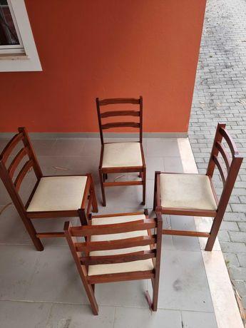 Mesa de Refeição extensível + 4 cadeiras