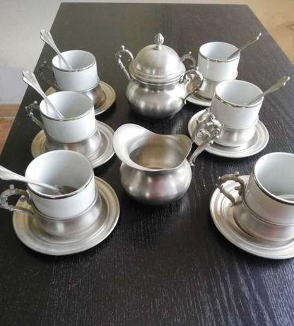 Serviço de cafe antigo em liga de estanho 95% e porcelana