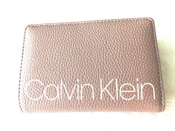 CALVIN KLEIN portfel kremowy