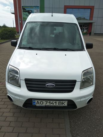 Ford Tourneo Connect 2011 8 місць