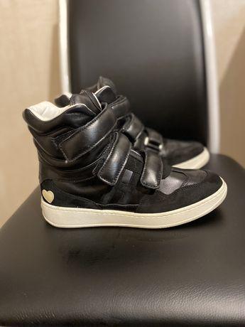 Кроссовки черные кожаные высокие