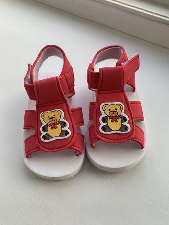Детские босоножки, детская обувь, босоножки