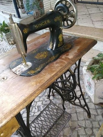 Máquina Costura - SINGER - Ano 1880 - Centenária
