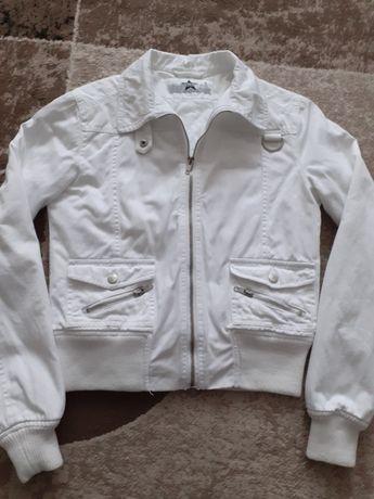 Куртка джинсова(осінь, весна)