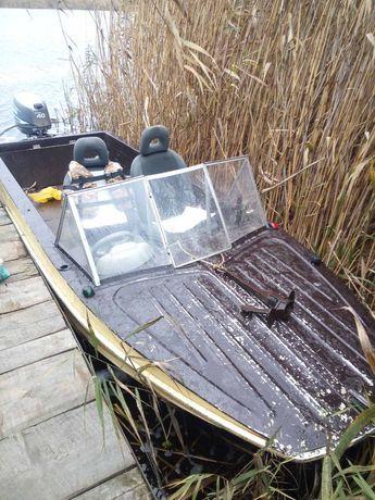 Продам моторную лодку Казанка 5