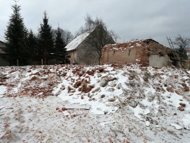 Gruz z rozbiórki stodoły