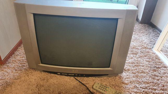 Oddam telewizor 21 cali odbiór osobisty