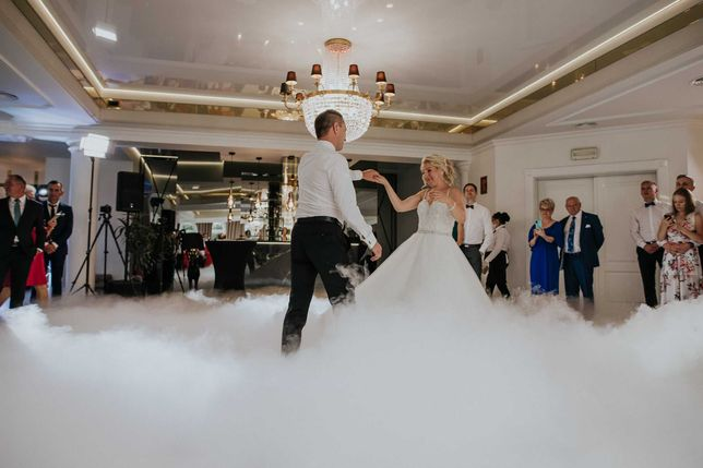 Dj Wodzirej na Wesele taniec w chmurach Tańce Integracyjne PozytywnyDj