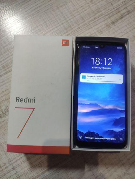 Xiaomi Redmi 7 (3 32)