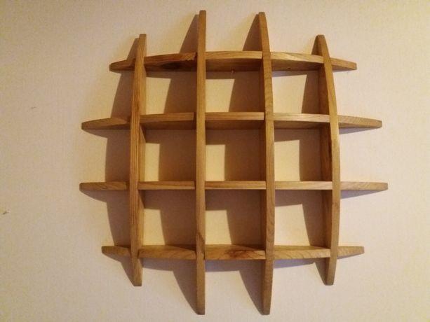 Piękna drewniana sosnowa półka ścienna