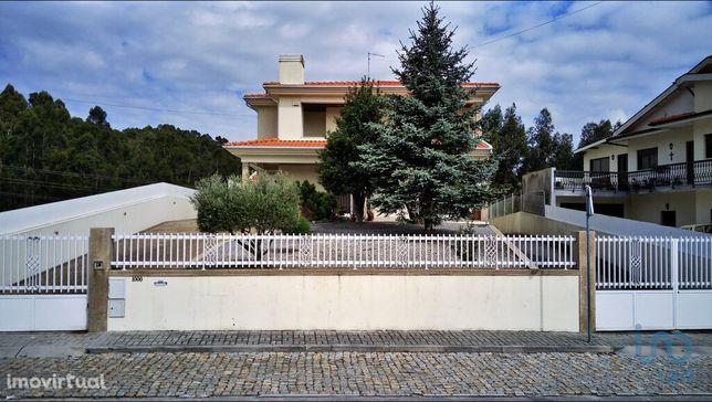 Moradia - 583 m² - T3