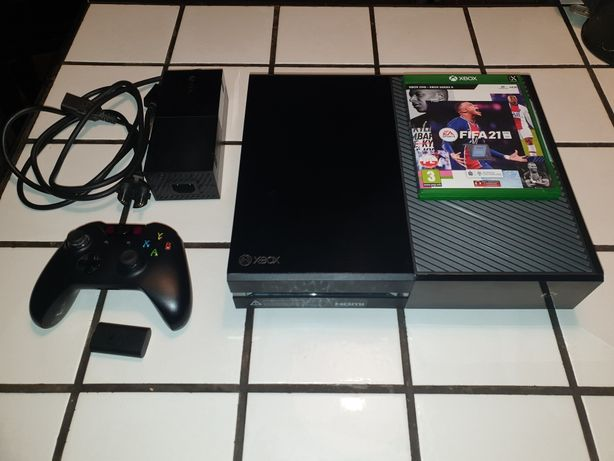Xbox One 500GB + Pad + Fifa 21