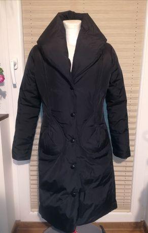Czarna zimowa kurtka Zara S
