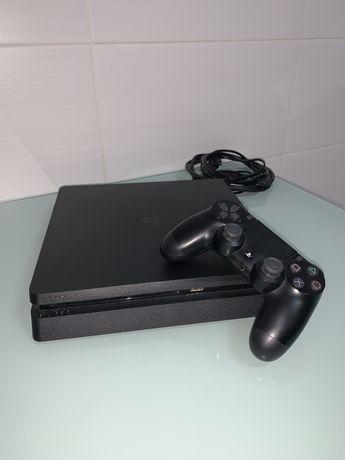 PS4 Slim Preta 1TB c/ comando
