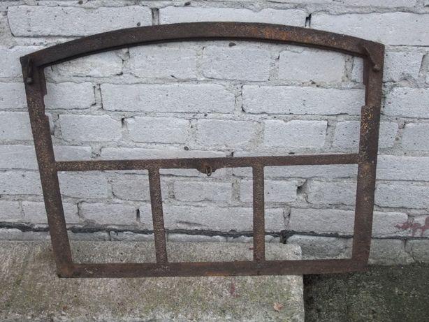 Stare okno łukowe