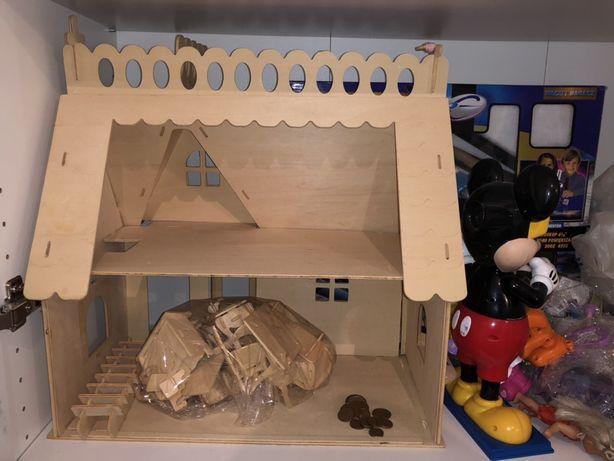 Domek drewniany składany z mebelkami