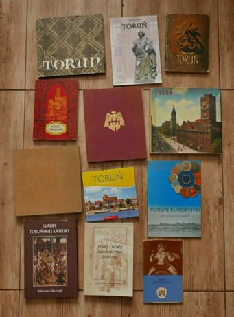 kolekcja 25 książek o Toruniu