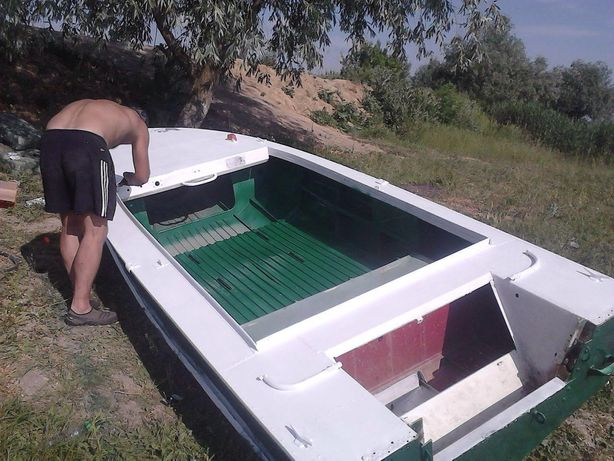 Продам лодку Днепр-3