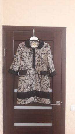 Очень стильное итальянское пальто, пальтишко
