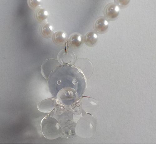 Białe perły z zawieszką misia