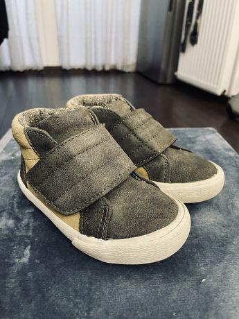 Дитячі капці Zara baby 22 розмір (нога 14см)