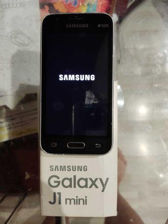 Смартфон , Samsung Galaxy J1 mini , телефон .