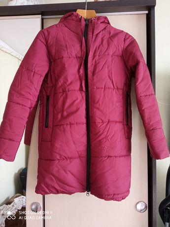 Продам новую зимнюю куртку-теплая