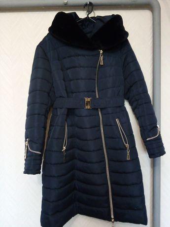 Продам женское зимние пальто