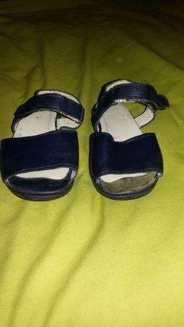 Sandálias Azuis em pele da Hera menina