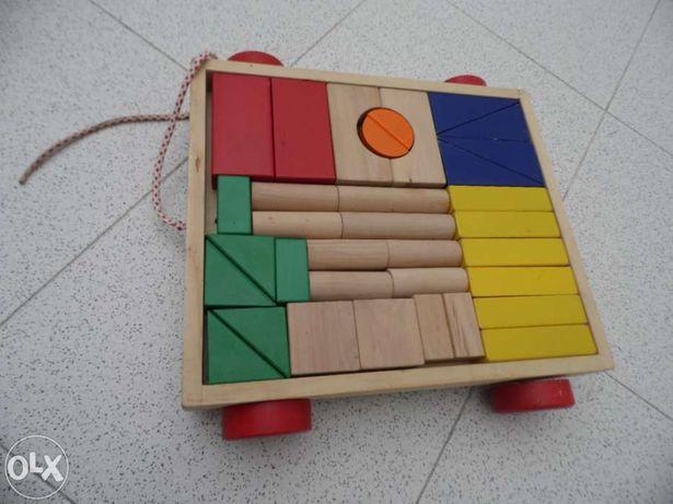 Peças para montar madeira