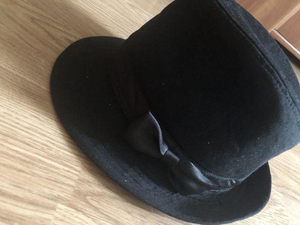 Шляпа жіноча