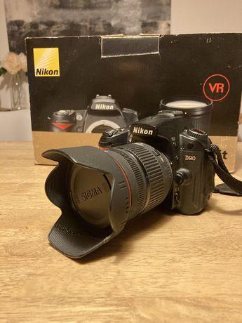 Nikon D90 com lente 18-200