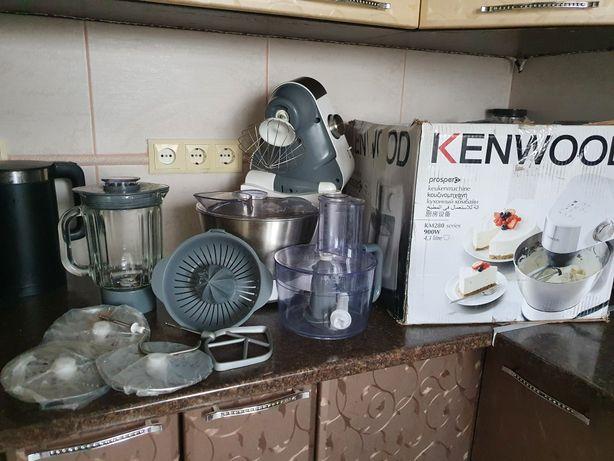 Кухонный комбайн Kenwood Prospero KM282 на гарантии состояние нового