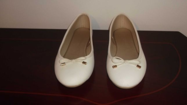 sapatos de menina da marca lefties
