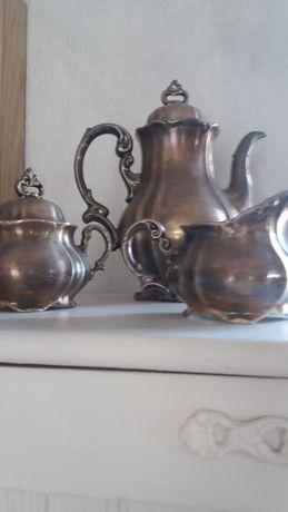 Trio de porcelana  metálica inglesa