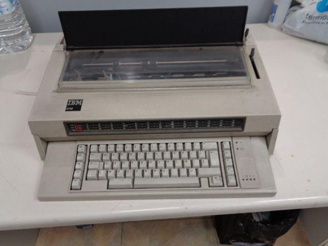 Maquina de Escrever IBM Sardoal - imagem 1