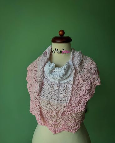 Chusta szydełkowa półokrągła narzutka ślubna biało różowa mandalove
