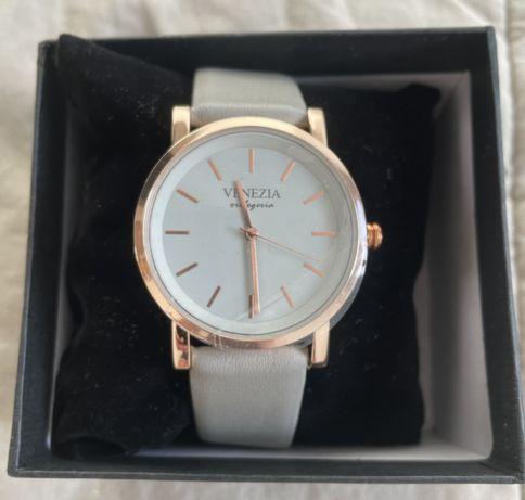 Zegarek damski Venezia skórzany pasek - nowy