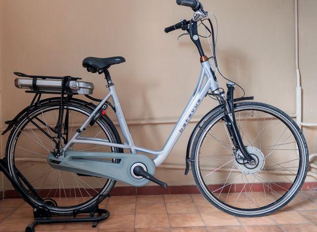 Rower elektryczny damski Batavus Monaco rama 57 koła 28