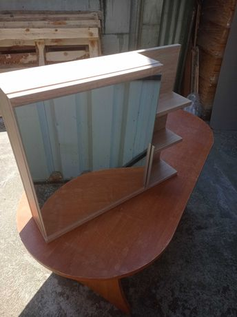 Szafka z lustrem 60x50 z 3 półkami
