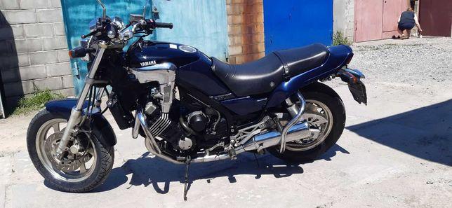 Продам Yamaha FZX750