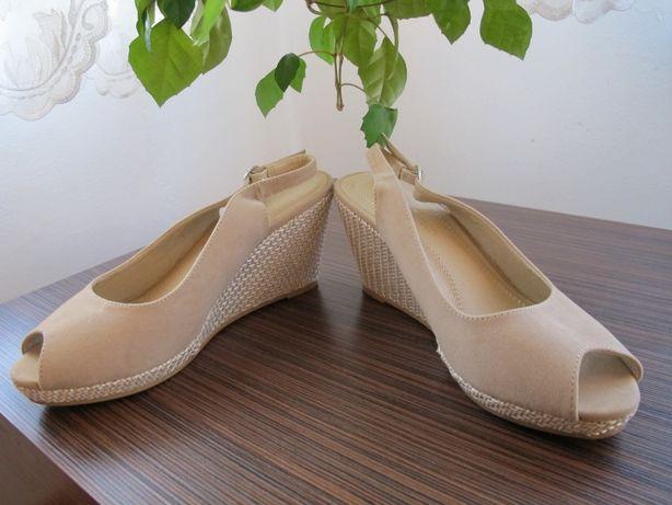 Sandały,półbuty otwarte r 39 Clara Barson