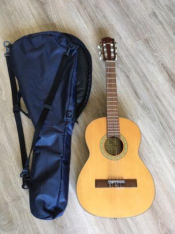 Gitara klasyczna Pro Arte GC-50 z pokrowcem