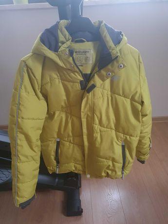 Sprzedam zimową kurtke chłopiecą 4f