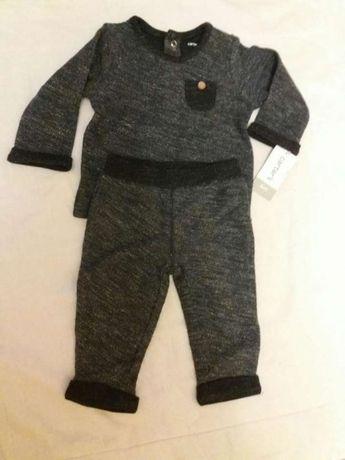 Продам новый костюм для мальчика Carter's