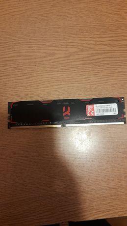 RAM 8 GB po 4 na kość