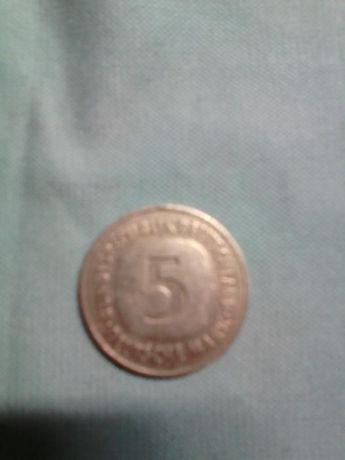 Монета 5 марок 1975 года